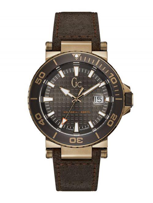 שעון GC שוויצרי לגבר עם רצועת עור דגם Y36001G5