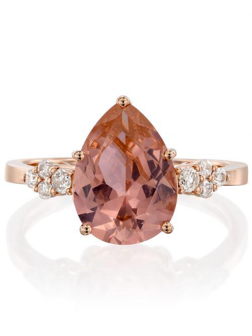 טבעת  KATE  זהב אדום 14קראט משובצת 8 יהלומים 0.15 קראט G-SI עם אבן ורודה בצורת טיפה