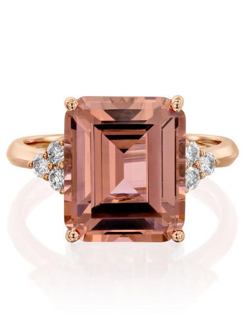 טבעת KATE זהב אדום  14קראט משובצת 6 יהלומים 0.22 קראט G-SI עם אבן ורודה בצורת ריבוע
